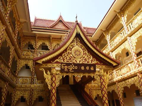 西雙版納傣族佛教建築